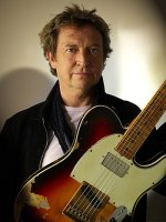 Andy Summers shares a CD with Rodrigo Santos
